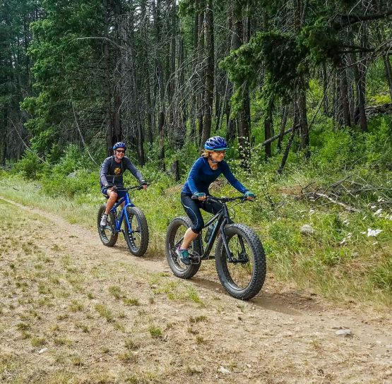 Bikers on The American Alps tour