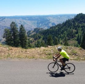 Biker on Hells Canyon Bike Tour