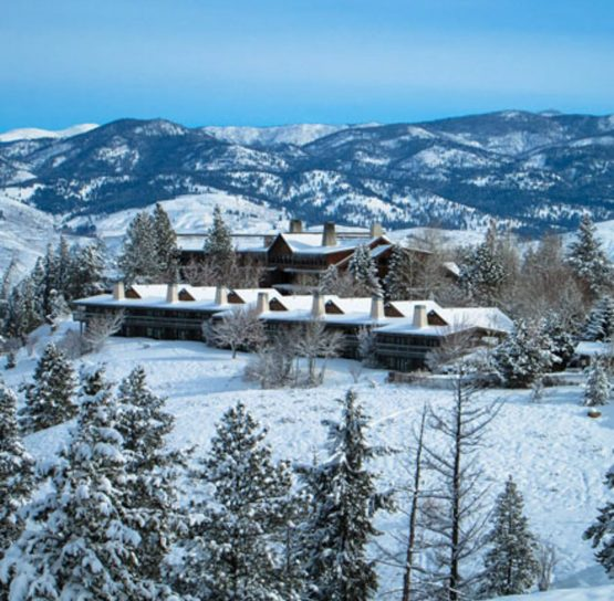 Winter lodge on Methow Cross-Country Ski Tour