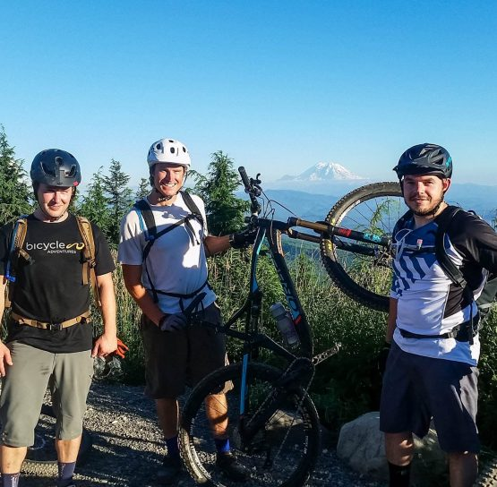 Bikers on the Mountain Bike Leavenworth – Advanced tour