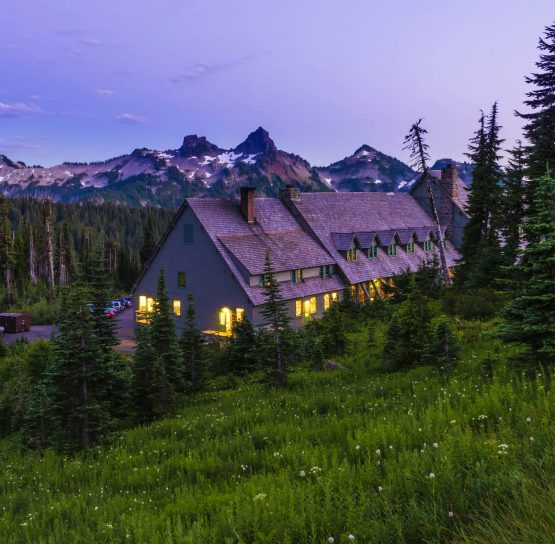 Hotel on the Volcanoes of Washington Tour