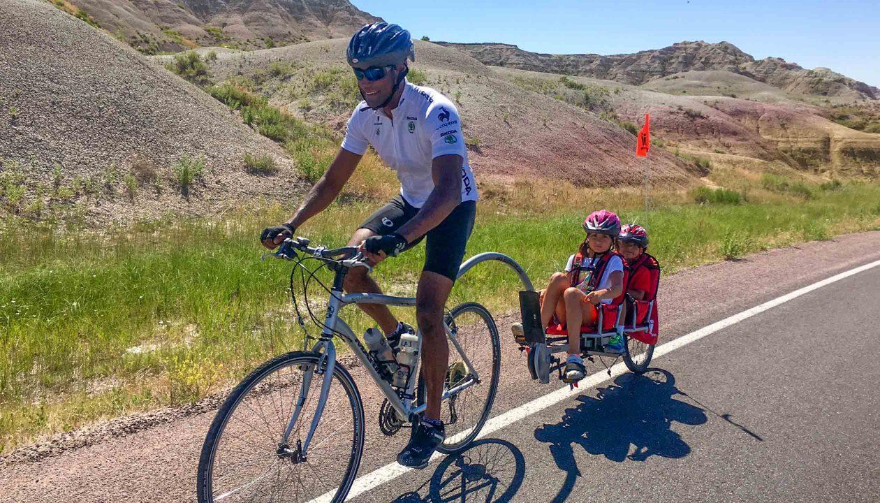 mt-rushmore-family-biking